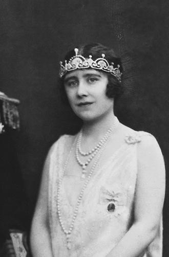 Фото №14 - Почему герцогиня Кембриджская так любит тиару «Узелки любви»