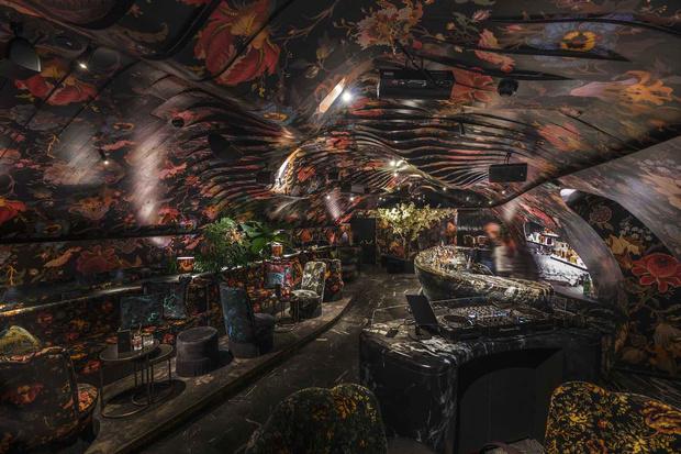 Фото №2 - Ночной клуб Sechser в Вене