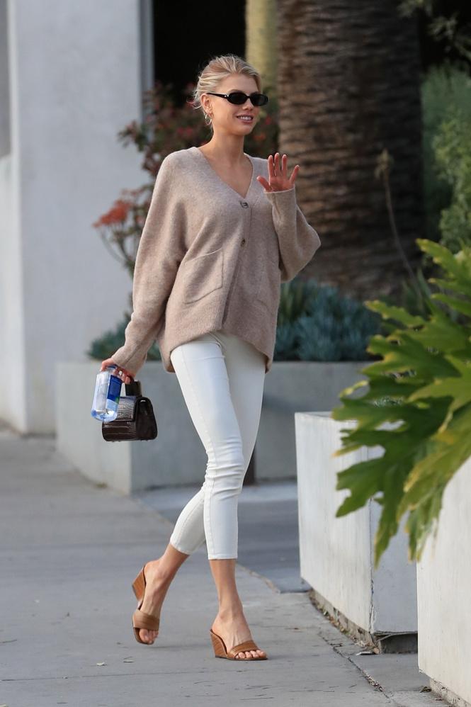 Шарлотта Маккинни в Лос-Анджелесе