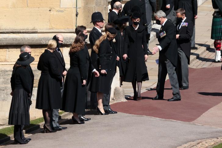 Фото №13 - Последний путь принца Филиппа: как королевская семья прощалась с любимым мужем, отцом и дедушкой