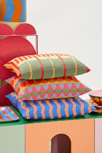 Фото №4 - Яркая дебютная коллекция предметов для дома Йинки Илори