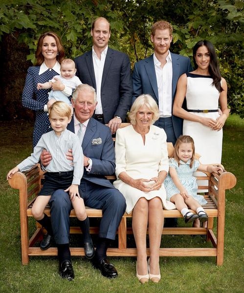 Фото №1 - Ни денег, ни замка: принц Гарри остался без внушительного наследства