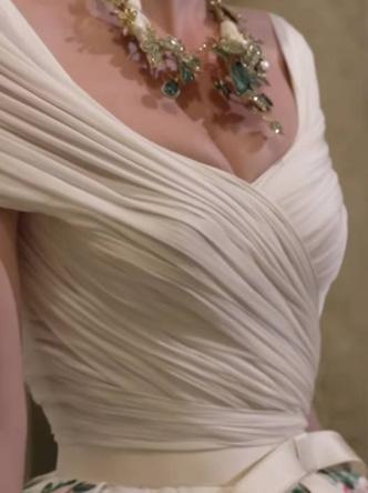 Фото №12 - Королевский размах: шесть свадебных платьев леди Китти Спенсер
