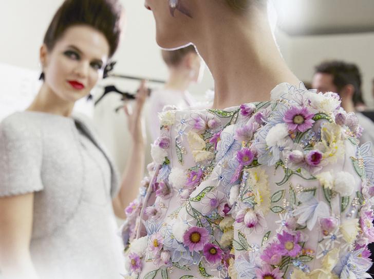 Фото №1 - Как создавалась кутюрная коллекция Chanel весна/лето 2019