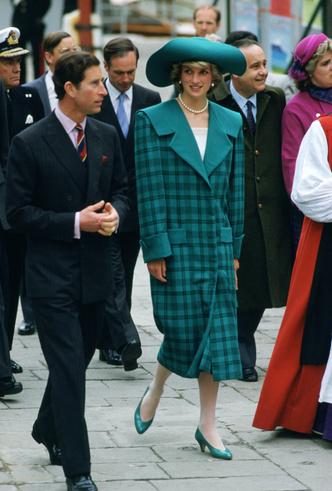 Фото №27 - Никто не идеален: самые неудачные наряды принцессы Дианы