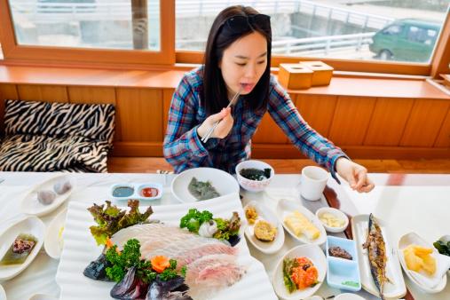 Фото №1 - Никакого хлеба и шоколада: секреты стройности кореянок