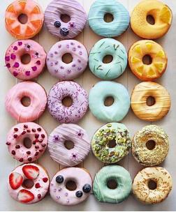 Фото №2 - Тест: Выбери пончик, и мы скажем, на кого из звезд ты похожа больше всего