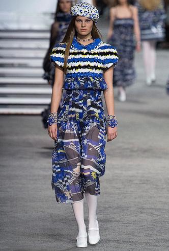 Фото №27 - 5 идей с показа круизной коллекции Chanel, которые пригодятся уже этим летом