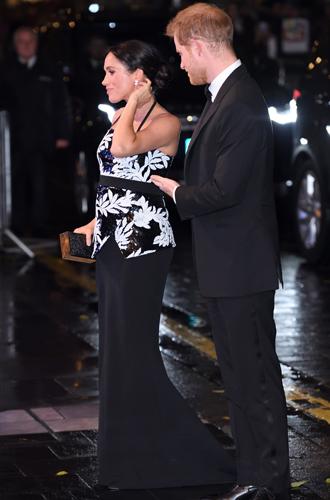 Фото №8 - Почему беременная Меган Маркл носит «тесную» одежду