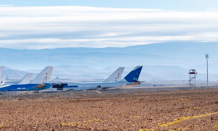 Фото №2 - Отлетали своё: что происходит с авиалайнерами, когда они выходят на пенсию