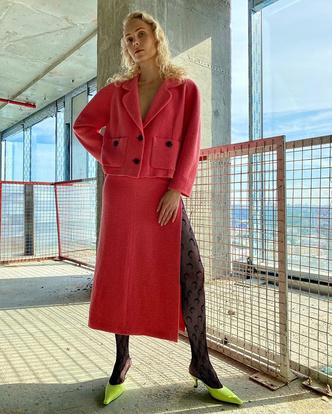 Фото №1 - Как носить колготки с принтом и выглядеть модно? Показывает Ольга Карпуть