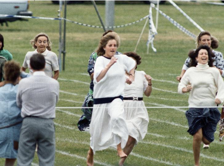 Фото №2 - Непосредственная мама: как Диана поддержала принца Уильяма на спортивном празднике