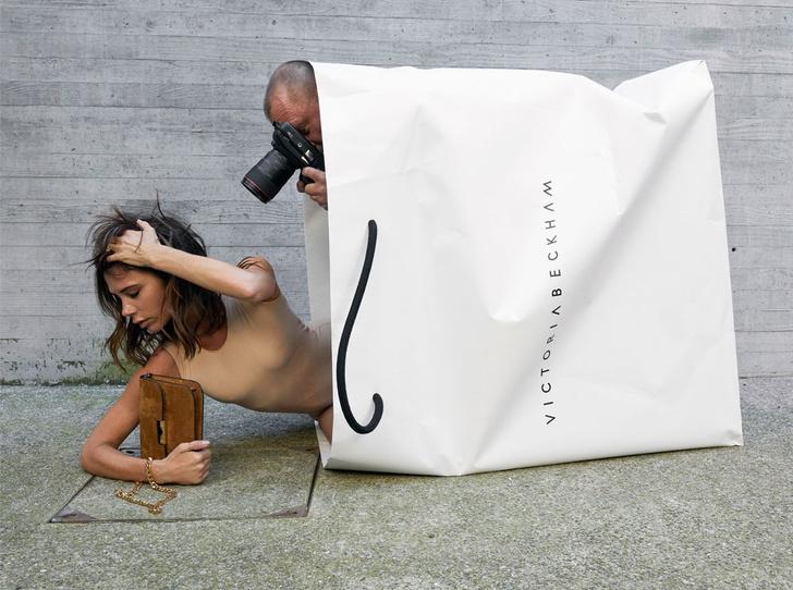 Фото №1 - Инопланетяне, куры и Виктория Бекхэм в пакете: самые странные рекламные кампании брендов