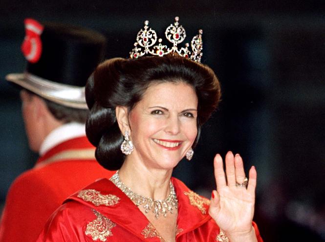 Фото №70 - От бижутерии до бриллиантов: тиары шведской королевской семьи