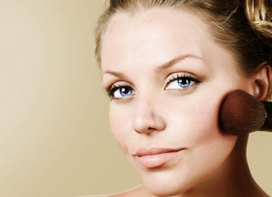 Фото №1 - Секреты макияжа: новый имидж за 60 секунд