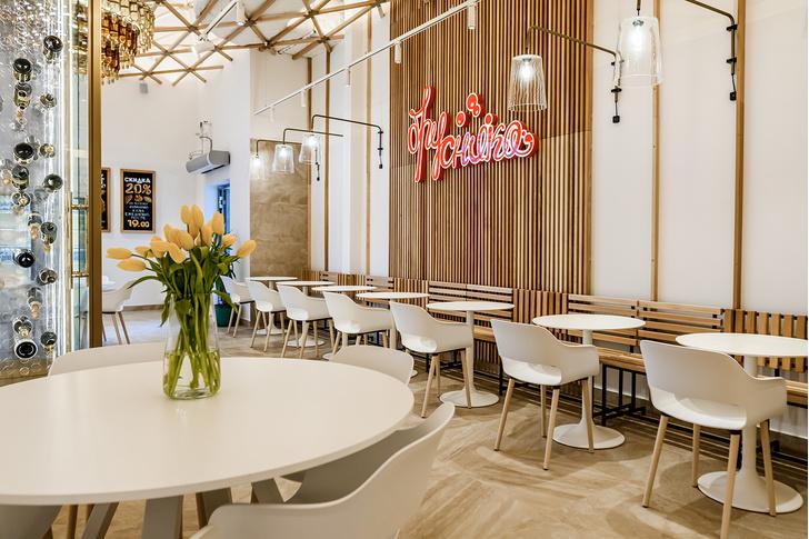 Интерьер кафе «Брусника»
