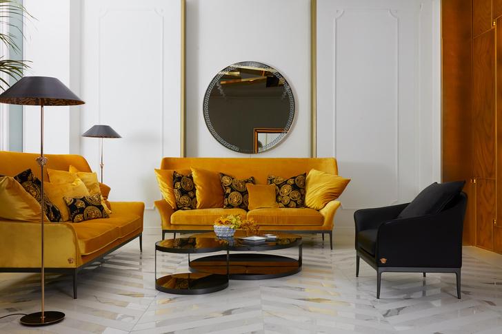 Фото №4 - Новый флагманский шоурум Versace Home в Милане