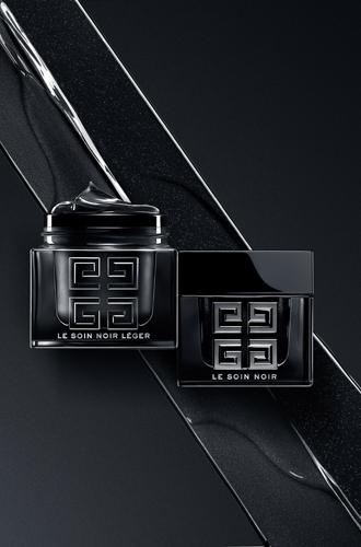 Фото №11 - Самые дорогие косметические средства: Le Soin Noir от Givenchy