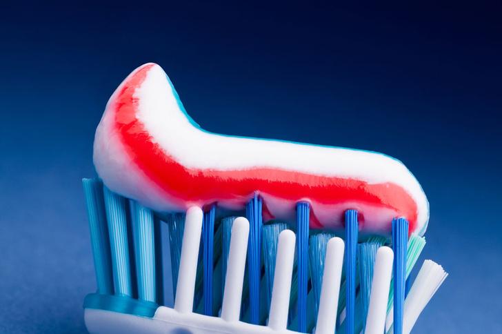 Фото №1 - Ученые предупредили о возможной опасности зубной пасты