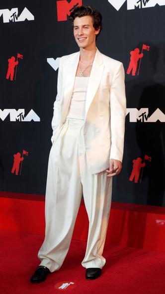 Фото №26 - Премия MTV VMA 2021: лучшие, худшие и самые яркие образы церемонии