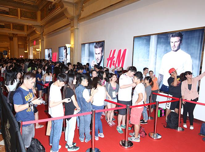 Фото №4 - Дэвид Бекхэм на открытии магазина H&M в Макао