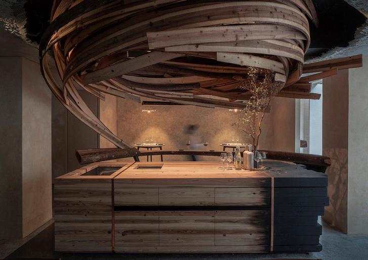 Фото №4 - «Вихрь» из кедровых панелей в ресторане Embers