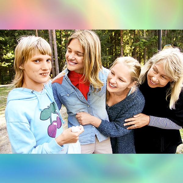 Сестра Натальи Водяновой – Оксана, Наталья Водянова, сестра Кристина и мама