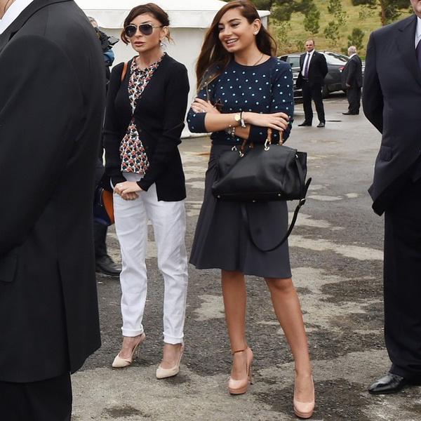 Фото №18 - Как одеваются дочери президентов: от сестер Алиевых до Айшат Кадыровой