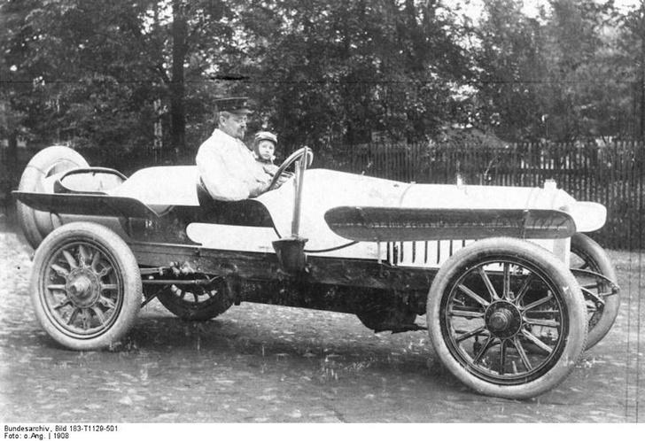Фото №1 - Упрямый характер: история и современность марки Audi