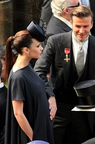 Фото №8 - Шляпу надень: почему Меган Маркл придется привыкать к головным уборам