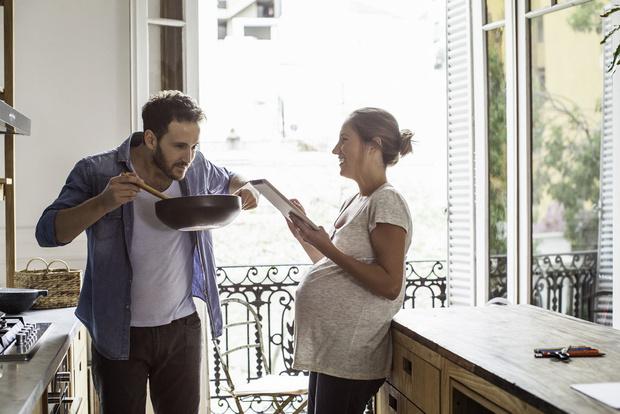 Фото №1 - 5 фактов, которые должен знать муж беременной