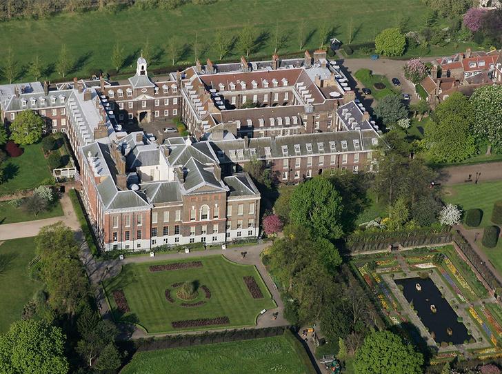 Фото №1 - Королевское общежитие: кто-кто в Кенсингтоне живет?