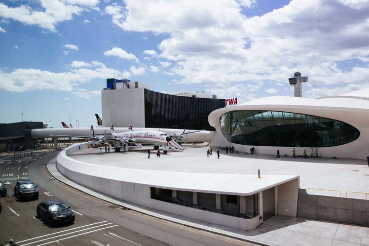 Фото №1 - Отшумели самолеты: что происходит с аэропортами, когда из них все улетают