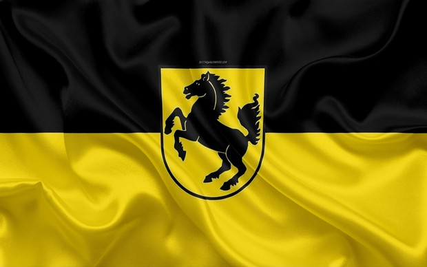Фото №2 - Почему эмблемы Porsche и Ferrari так похожи
