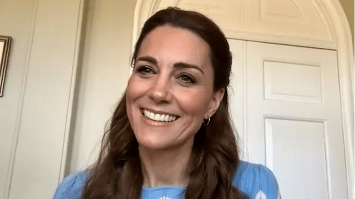 Фото №5 - Неожиданная причина, почему мы так часто видим Кейт в голубых и синих нарядах