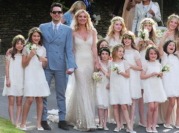 Фото №9 - 16 самых известных, красивых и дорогих свадебных платьев за всю историю