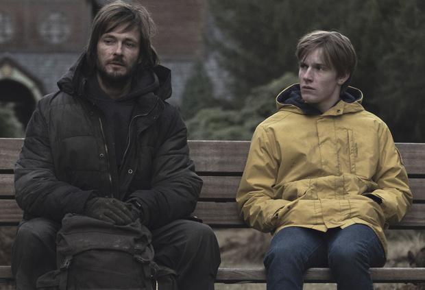 Фото №7 - Краткий пересказ: все, что тебе нужно помнить перед просмотром третьего сезона «Тьмы»