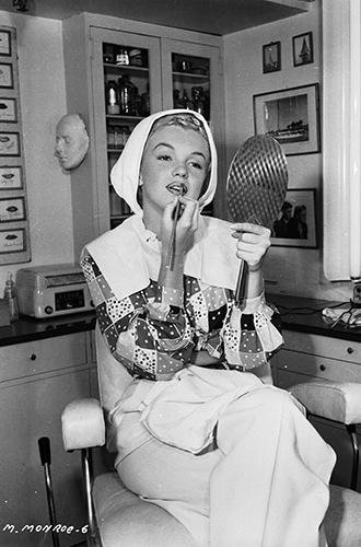 Фото №4 - 8 бьюти-секретов визажиста Мэрилин Монро, сделавших из нее икону