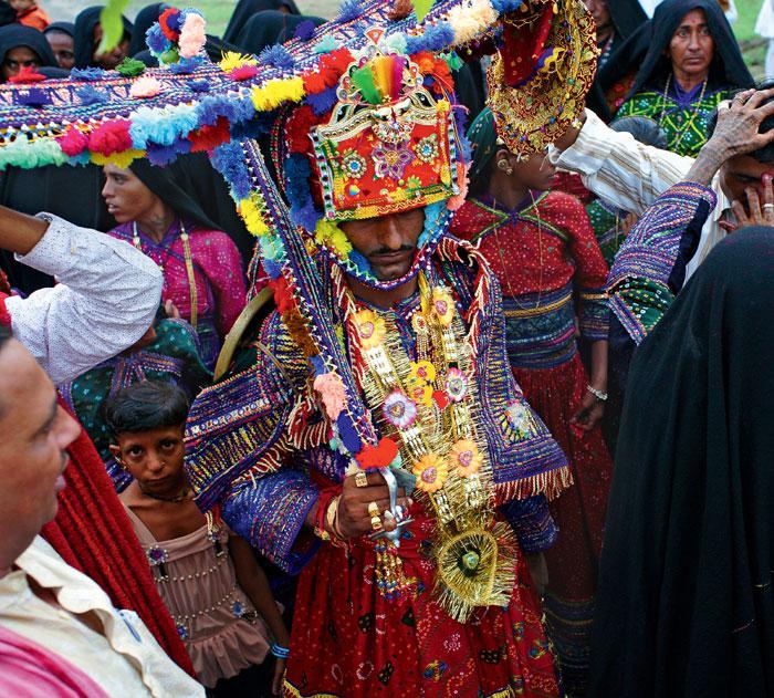 Фото №8 - Священные цепи: репортаж с цыганской свадьбы