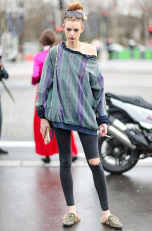 Фото №6 - Мюли вернулись: с чем сейчас носить культовую обувь 90-х