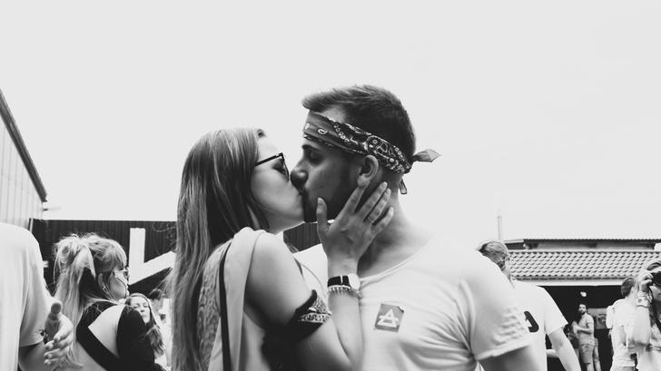 Фото №5 - 10 признаков, что ты плохо целуешься 😅