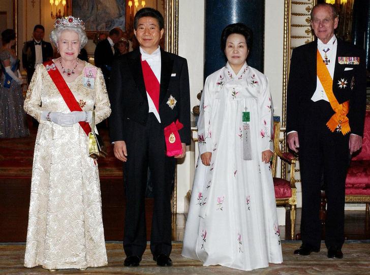 Фото №5 - Талисман Ее Величества: какое украшение защищает Елизавету от негатива
