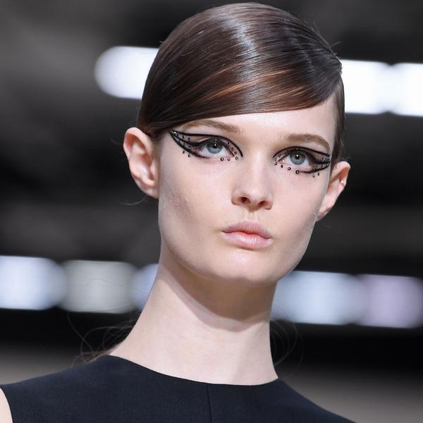 Фото №5 - 5 ярких акцентов в макияже, которые будут в тренде этой осенью