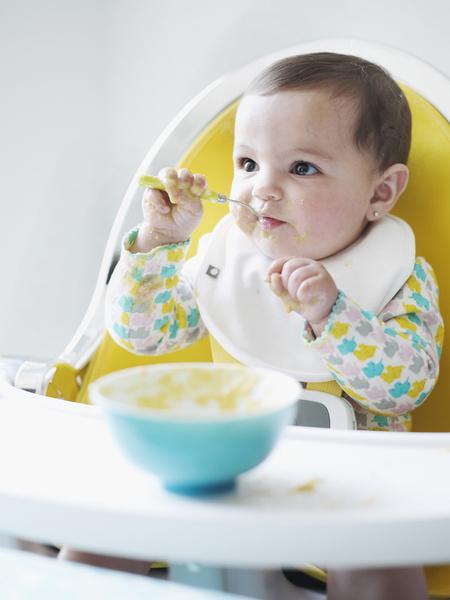 Фото №1 - Первый прикорм: полезные рекомендации диетолога