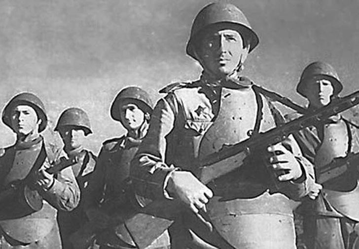 Фото №2 - «Панцирная пехота»: советский спецназ для штурма германских городов-крепостей