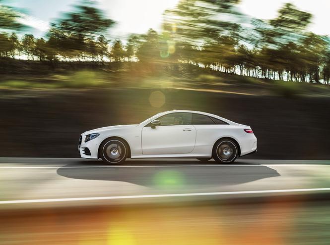 Фото №2 - Бизнес-класс теперь и в купе: Mercedes-Benz представил новый спорткар