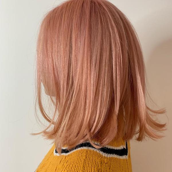 Фото №9 - Клубничный блонд: идеальный оттенок волос для тех, кто не может выбрать между розовым и рыжим