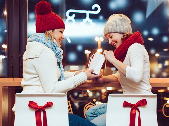 Фото №3 - Как правильно выбирать и дарить бьюти-подарки (и что делать с сюрпризом, который вам не подходит)