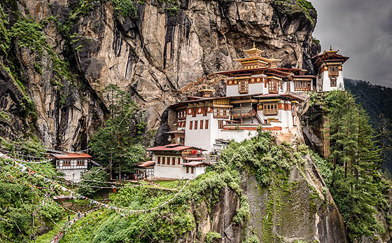 Фото №1 - Место дня. Монастырь Такцанг-Лакханг (Бутан)