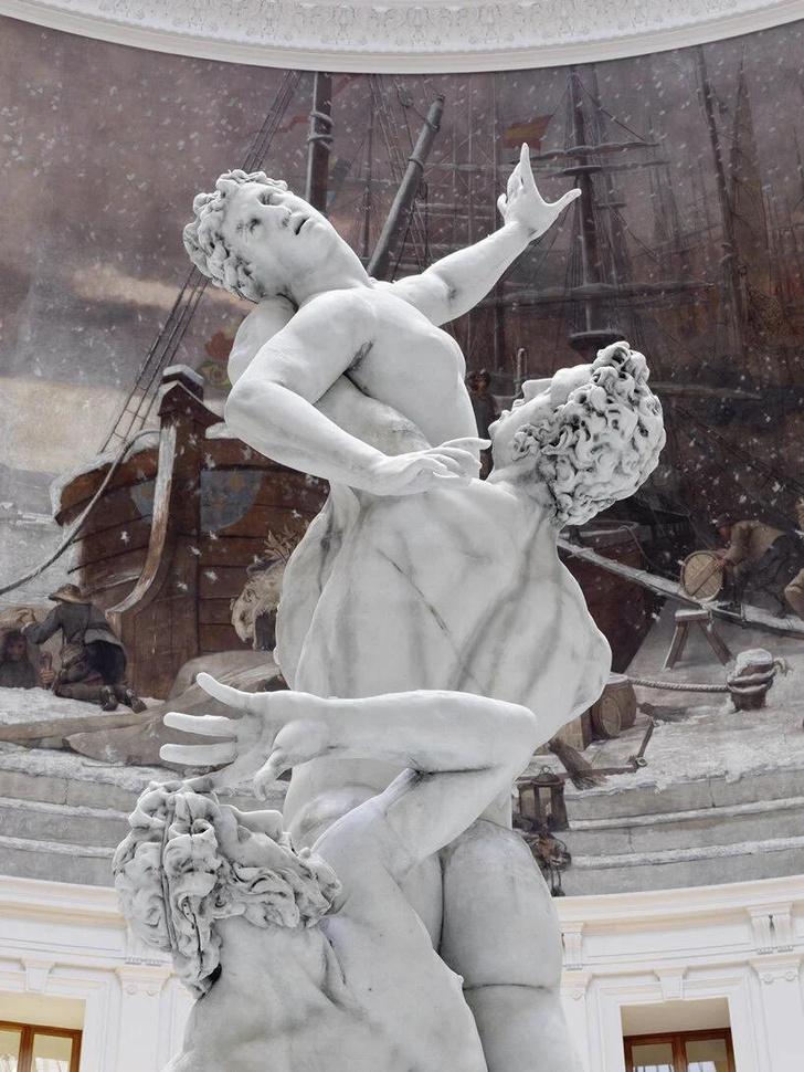 Фото №3 - Ускользающая красота: тающие скульптуры Урса Фишера в новом музее в Париже